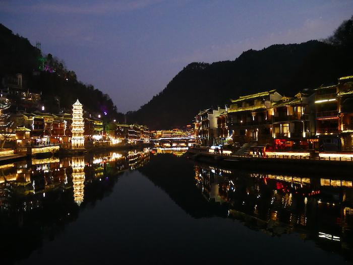 Le canal est utilisé pour la pêche mais aussi pour des visites sur l'eau.