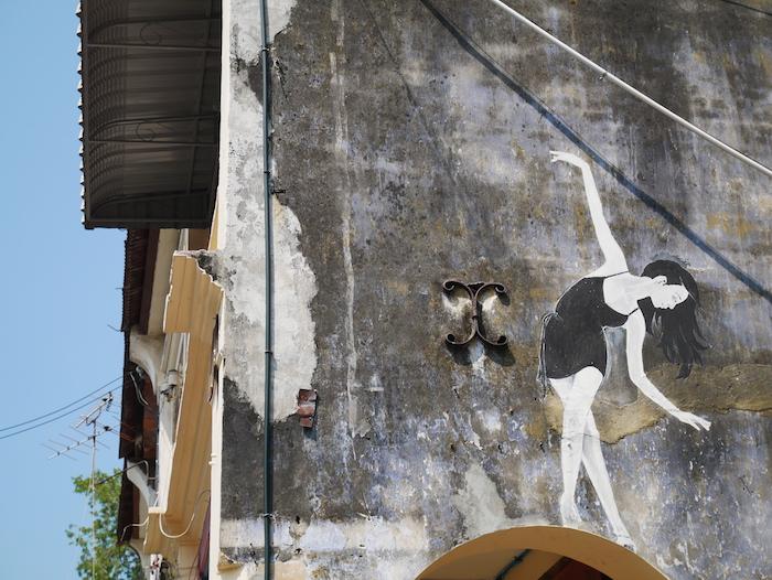 On joue les équilibristes sur les murs de Penang !