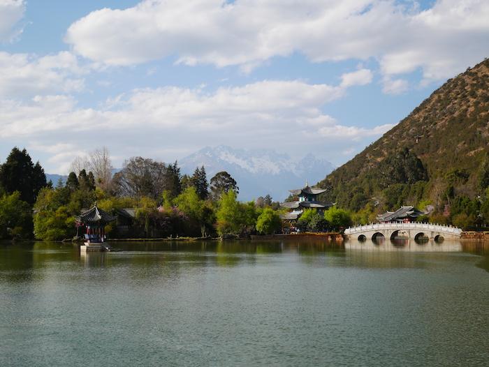Quelle est la montagne à Lijiang ?