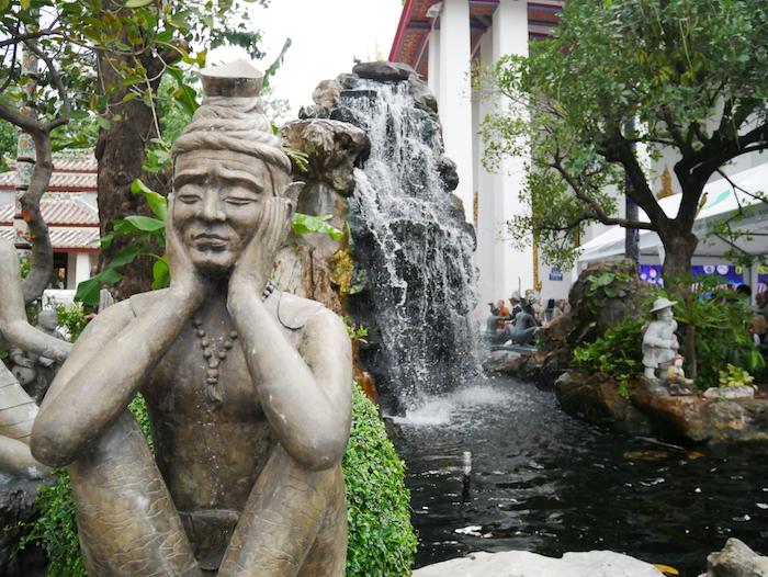 Un petit coin de verdure dans Bangkok, le Wat Pho !
