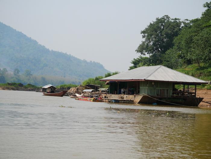 Comment passer la frontière terrestre entre la Thaïlande et le Laos ?