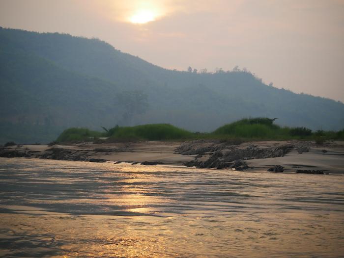 Où observer les plus beaux couchers de soleil au Laos ?