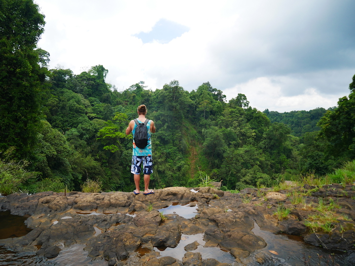 D'un côté des cascades Tad Lo.