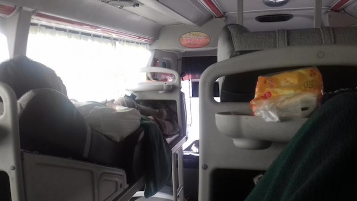 On est plutôt bien installé dans les bus au Vietnam.
