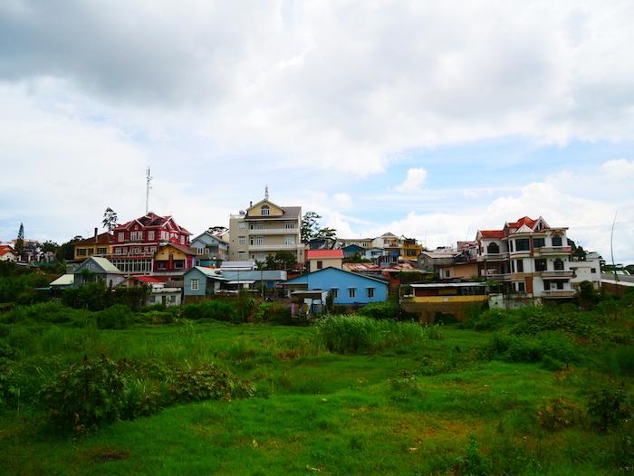 Les maisons colorées sont très présentes à Dalat.