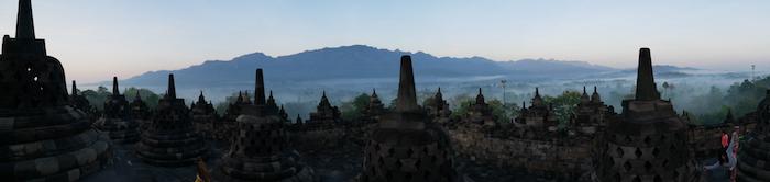 Combien coûte le lever de soleil au Borobudur ?