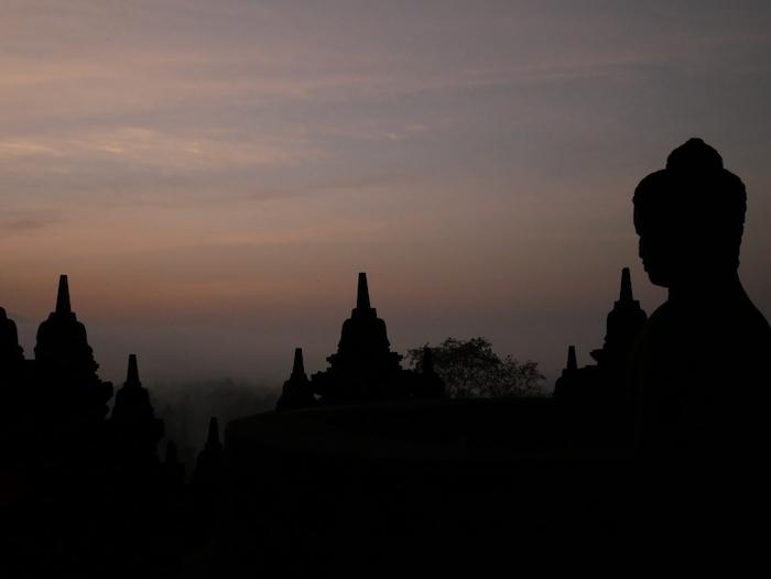 Pourquoi aller voir le lever de soleil au Borobudur ?