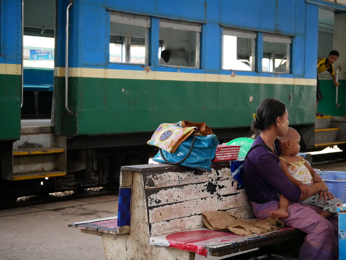 Pourquoi prendre le train à Rangoon ?