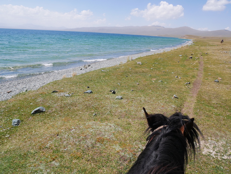 Où faire du cheval au Kirghizistan ?