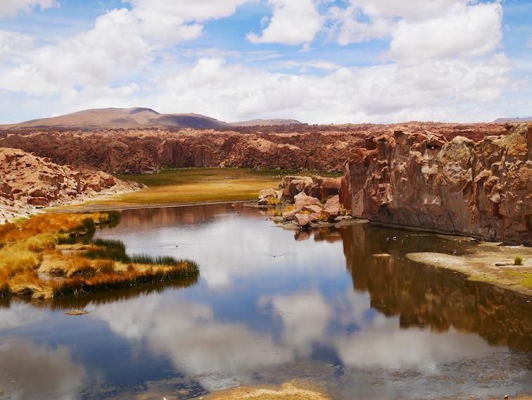 Laguna negra en Bolivie.