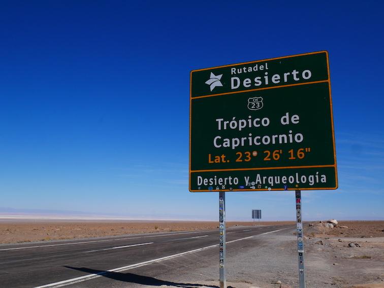 Le panneau situant le tropique du Capricorne.