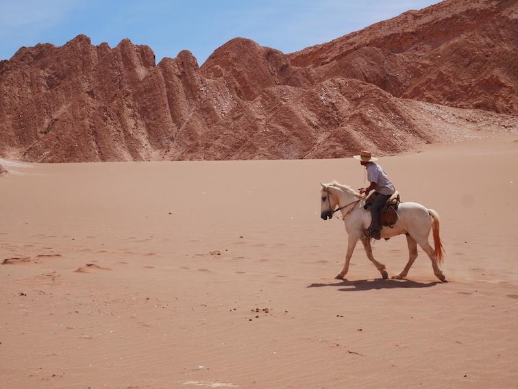 La vallée de la mort à cheval.