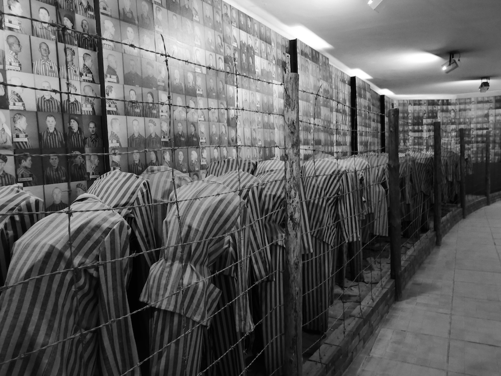 Exposition à Auschwitz.