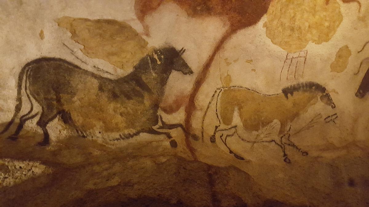 Où se trouvent les grottes de Lascaux ?