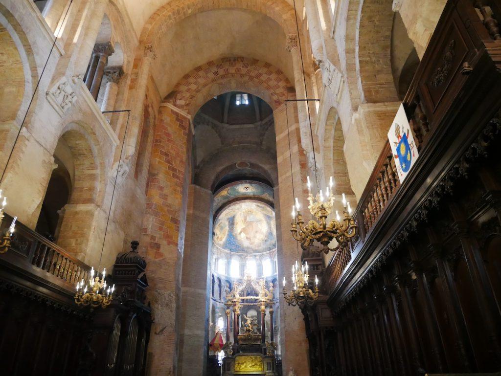 A l'intérieur de l'église Saint Sernin.