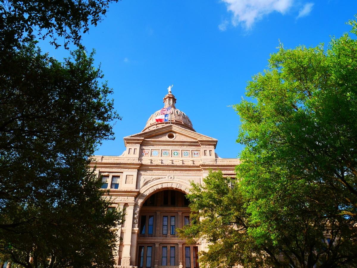 Visiter le Capitole d'Austin.